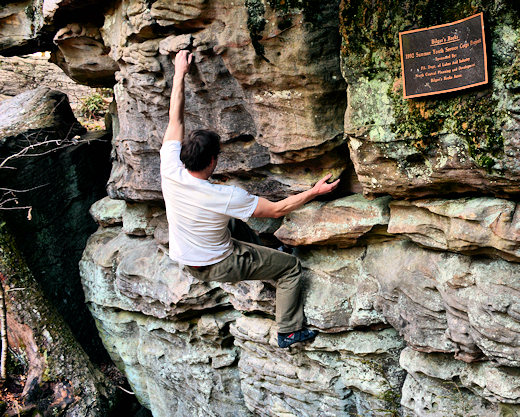coach levi bouldering at bilgers rocks