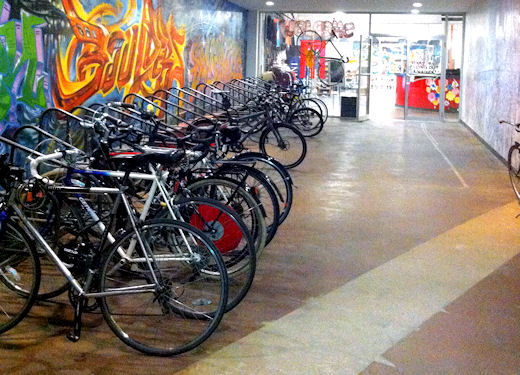 bkbs front hallway bike rack