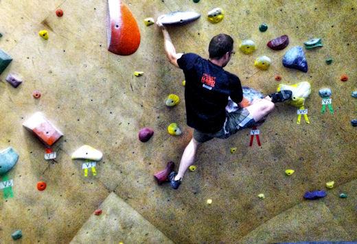 levi starts v4 heel hook bouldering problem