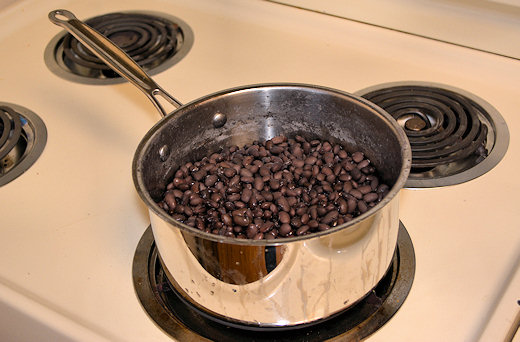 cooked beans cooling down
