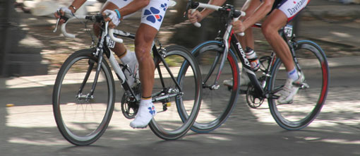 cyclists legs spinning