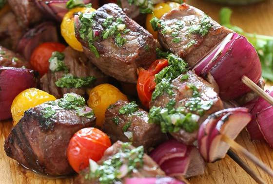 steak kebabs with grilled veggies