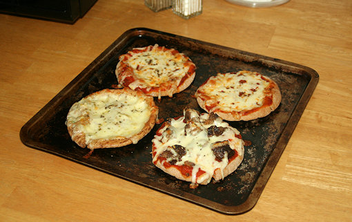 pita pizzas cooked