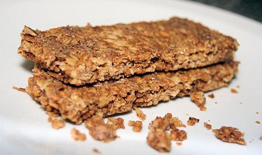 cascadian farm granola bars close-up
