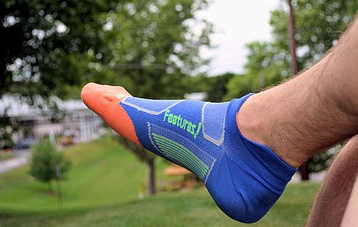 feetures elite running socks