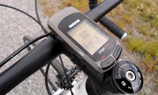 Garmin edge 305cad gps with cadence sensor.