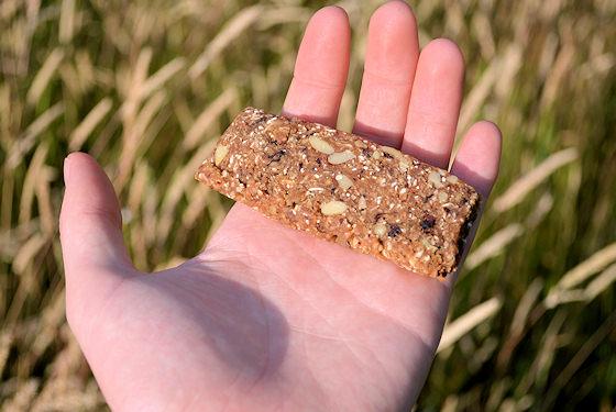honey stinger snack bar size comparison