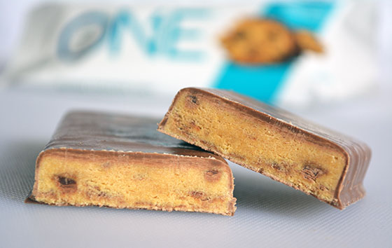 chocolate chip cookie dough one protein bar cut open