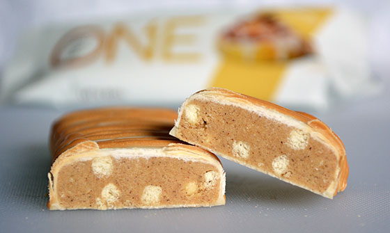 cinnamon roll one protein bar cut open