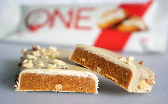 iced gingerbread one protein bar cut open