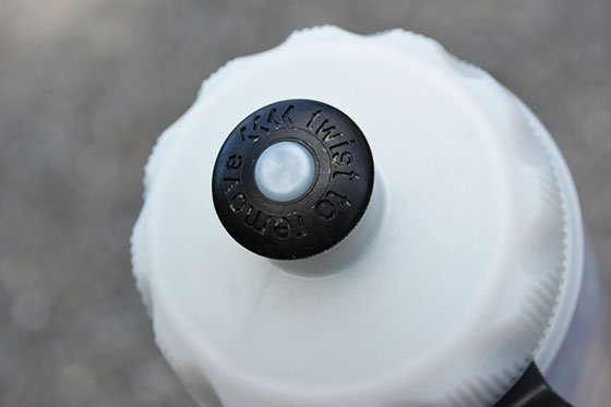 twist to remove the polar bottle sport cap