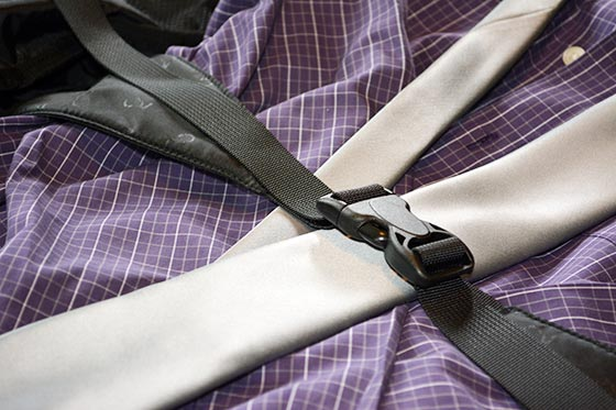 two wheel gear garment bag buckle strap