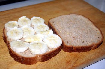 sliced banana on bread