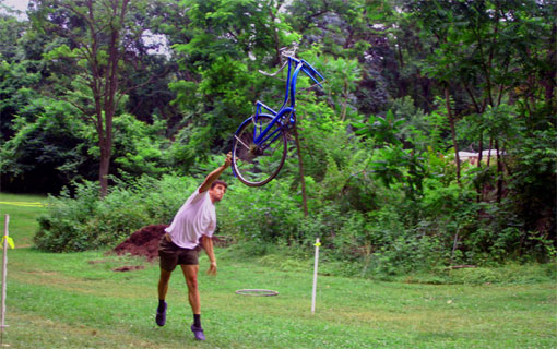 wes schempf tossing a huffy