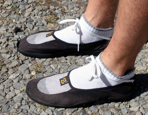 zinetic slippers laced for running